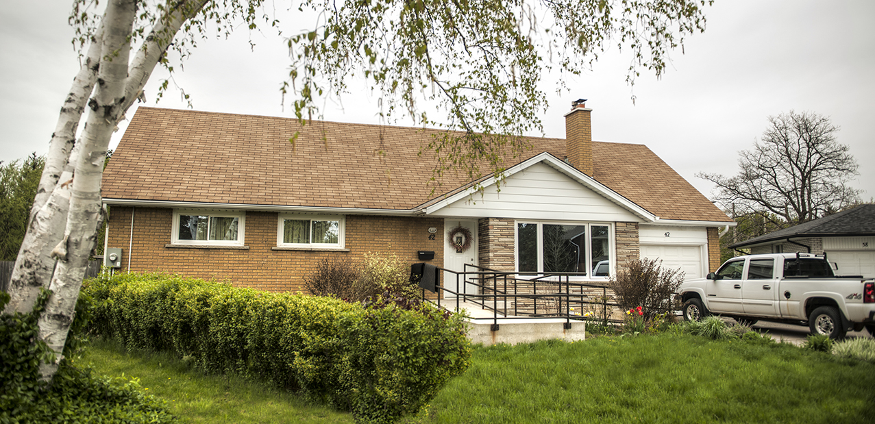 Evelyn Home - Kitchener - Permanent home for 2 adults, respite for 6 adults